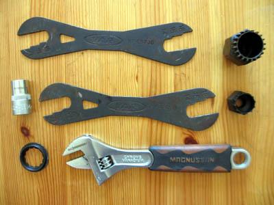 Otras llaves que pueden ser necesarias: llave cassette, llave pedalier, llaves para bujes...