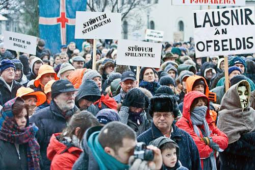 ISLANDIA:  LA REVOLUCIÓN SILENCIADA