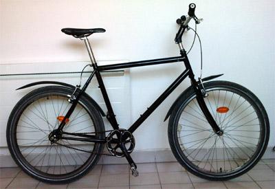 Bici pintada y montada
